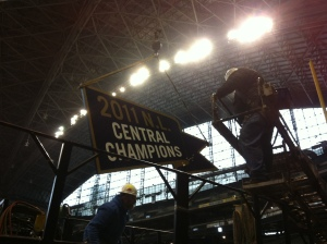 Teamwork makes the dream work in the sign installation industry.