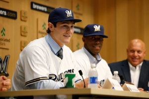 Clint Coulter (l) and Victor Roache (c), the Brwers 2012 First Round Picks and Bruce Seid (r) at a press conference.