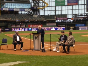 Bob Uecker hosted a memorable on field ceremony.