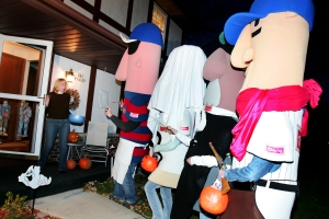 Trick or Treat with the Racing Sausages