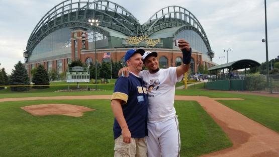 Gomez Selfie