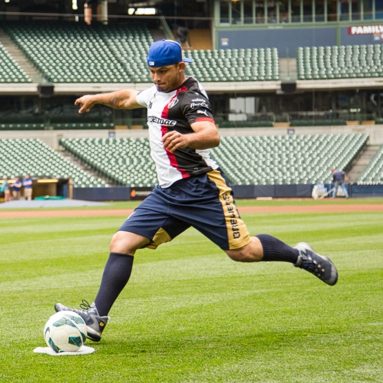 Gerardo Parra took the early lead and never looked back. (Photo via Sara Stathas/Milwaukee Brewers)
