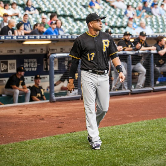 Aramis Ramirez walks out to a great hand by Brewers and Pirates fans alike. Photo: Sara Stathas/Milwaukee Brewers