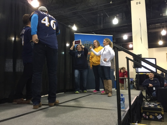 Corey Knebel and Michael Blazek Play Heads Up with Fans