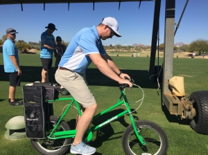 Corey Knebel checks out the Golf Bike before our round.